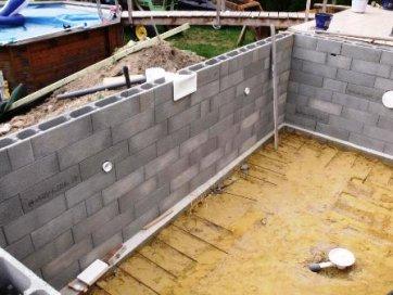 Le bloc bancher le guide de la ma onnerie for Guide construction piscine