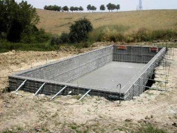 Le b ton banch le guide de la ma onnerie for Piscine beton banche